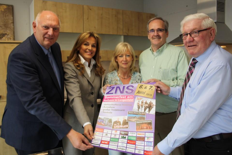 ZNS Sommerfest 2015: KüchenTreff spendet Küche für Tombola